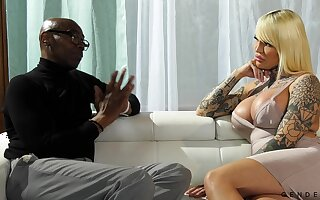 Dope-fiend transgender Nadia Love gets her anus blacked