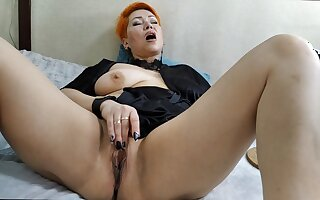 Depraved MILF spreads her lips plus gets fucked with close-up!